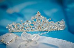 i like all the simplicity Quinceanera Tiaras, Quinceanera Hairstyles, Quinceanera Dresses, Bridal Crown, Bridal Tiara, Royal Jewels, Crown Jewels, Wedding Accessories, Wedding Jewelry
