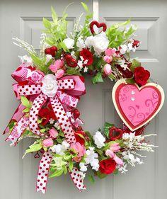 day wreath grapevine Valentine's Heart Grapevine Wreath, Pink White Red Floral Grapevine Wreath, Valentine Decor Valentines Day Food, Valentine Tree, Valentines Flowers, Valentine Day Wreaths, Valentines Day Decorations, Valentine Day Crafts, Holiday Wreaths, Winter Wreaths, Valentine Cookies