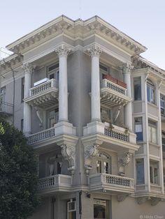 Apartment building in Russian Hill. San Francisco, CA
