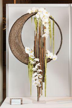 Flowers art arrangements ikebana 52 new ideas Ikebana Arrangements, Ikebana Flower Arrangement, Beautiful Flower Arrangements, Unique Flowers, Floral Arrangements, Bridal Flowers, Floral Centerpieces, Floral Flowers, Arte Floral