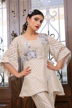 New Arrivals – Henna Mehndi Unique Dresses, Stylish Dresses, Trendy Outfits, Fashion Dresses, Designer Wear, Designer Dresses, Mehndi Fashion, Kebaya Lace, Fancy Dress Design
