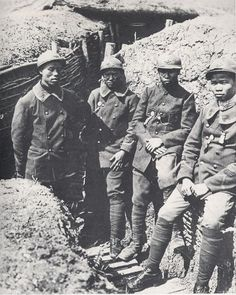 Vietnamese conscripts fighting for France in WWI. More than one million Vietnamese men were taken from their homeland and forced to fight in the French army during WWI in World War One, First World, Vietnamese Men, Ww1 Photos, French Army, Indochine, Interesting History, Photo Postcards, Military History