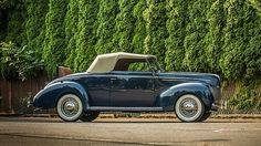1939 Ford Deluxe Cabriolet 3-Speed, Concours Restoration presented as lot S12 at Monterey, CA 2015 - image2