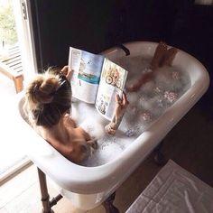 冷え性改善に効果のある入浴法であるとTVで紹介された「333入浴法」。しかも、たった9分お風呂につかるだけでダイエット効果もあると話題になっているんです!