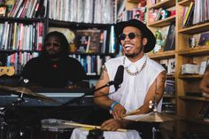 WARNING***Lyrics may be a little rough for some***  I want Anderson to sing some of my poems. He'd KILL IT! August 15, 2016 by BOBBY CARTER • Good luck trying to classify Anderson .Paak…