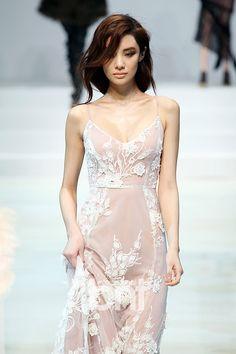 thestreetcomplex: wildbelles: exclusivo-femme: El amor tan delicado me encanta este vestido