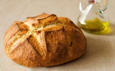Spansk Bondebrød - http://nemaftensmad.com/spansk-bondebroed/ Direkte fra solen og varmen. Har du lyst til lidt specielt brød på bordet kan denne opskrift varmt anbefales. Que aproveche! (Velbekomme på spansk)
