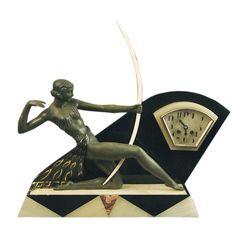 Diana the Huntress Sculpture, French Art Deco Clock, Garnitures France Ca. 1930
