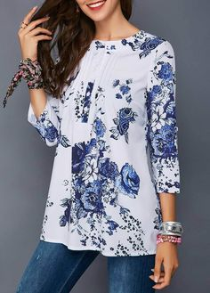 Flower Print Three Quarter Sleeve Button Detail Blouse - Trend Way Dress Trendy Tops For Women, Casual Skirt Outfits, Blouse And Skirt, Women's Summer Fashion, Blouse Styles, Ladies Dress Design, Printed Blouse, Dress Patterns, Quarter Sleeve