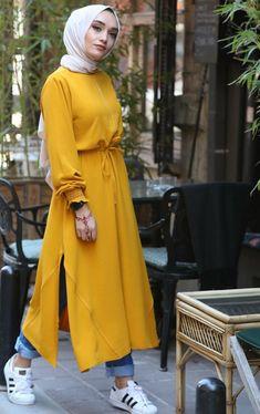 Source by fashion hijab Hijab Style Dress, Modest Fashion Hijab, Modern Hijab Fashion, Hijab Fashion Inspiration, Casual Hijab Outfit, Hijab Chic, Muslim Fashion, Fashion Outfits, Women's Fashion
