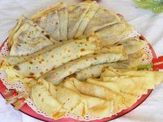 Romanian Pancakes (clatite) – a basic recipe Romanian Desserts, Romanian Food, Romanian Recipes, Best Pancake Recipe, Pancake Recipes, Crepe Cake, Home Food, Sweet And Salty, Raw Vegan