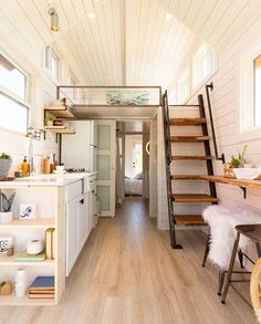 Gorgeous Rustic Tiny House Design Ideas With Two Beds. tiny homes Rustic Tiny House Design Ideas With Two Beds Best Tiny House, Tiny House Plans, Tiny House On Wheels, Rustic Stairs, Rustic Home Interiors, House Stairs, Loft Stairs, Tiny House Movement, Tiny House Living