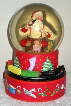 Santa Claus Coca-Cola Hallmark Musical Snow Water Globe Coke Moving Train Sundblom 2001 7 $12