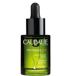 El aceite noche destoxificante #Polyphenol de #Caudalie es 100% natural y activa la regeneración de la piel fatigada mientras duermes. Su combinación de extractos naturales, como el aceite de uva, la rosa mosqueta y la lavanda, tienen efectos antioxidantes y destoxificantes. Lucirás un rostro fresco y descansado al despertar.