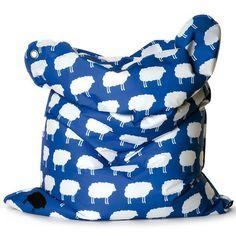 SittingBullMiniBullzitzak   De Mini FashionBullzitzak met Happy Sheep print is comfortabel maar ook duurzaam, driedubbel gestikt, kindvriendelijk, waterafstotend, UV-bestendig en gemaakt van ademende en extreem sterke stof. Dit maakt deSittingBullMiniBullde zitzak voor kinderen. Met deze zitzak kun je elke kinderkamer de finisching touch geven en over de kwaliteit valt niet te twisten. Je kind kan zorgeloos spelen en relaxen, heerlijk bijkomen na school, lekker gamen met vrienden of lekker…