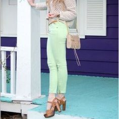 I just discovered this while shopping on Poshmark: Free People Mint Skinny Jeans. Check it out! Price: $30 Size: 24