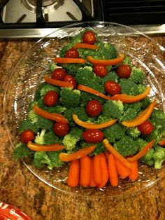 Simple and lovely idea for the old veggie platter!