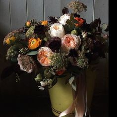The beauty that is @swallowsanddamsons #flowers #beauty #sublime #stilllife #dutchmaster #floristry #creatives #inspiration