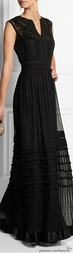 Alberta Ferretti ● Embroidered silk-chiffon gown. Simple but elegant