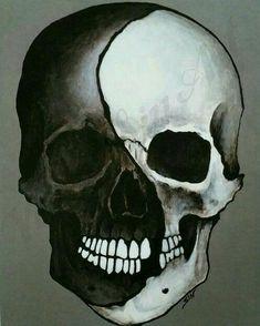 Swirled black & white skull ☠