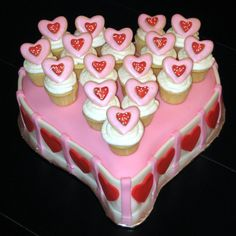Fun valentine cake in light pink, white and red. Valentine Cake, Valentine Day Gifts, Valentines, 1 Tier Cake, Tiered Cakes, 40th Cake, Best Valentine's Day Gifts, Gifts For Your Boyfriend, Yummy Cakes
