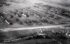De Goudvelden' Bijnaam die de Waalhaven kreeg in de jaren '20 van de vorige eeuw toen er goud geld werd verdiend aan de vele kolenboten die in de Waalhaven lagen. Geregeld lagen de boten drie rijen dik aan de boeien en palen in de Waalhaven.