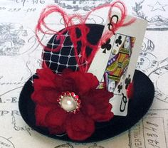 Mini top hat-mini top hat fascinator-Queen Of Hearts Top Hat-Alice in wonderland-mad hatter-Tea Party Hats-Baby Headbands-Girls hats Mad Hatter Top Hat, Mad Hatter Party, Mad Hatter Tea, Queen Of Hearts Costume, Queen Of Hearts Alice, Top Hats For Women, Lizzie Hearts, Le Clown, Tea Party Hats
