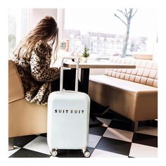 114 vind-ik-leuks, 6 reacties - MonStyle*Manon Meijers Styling (@monstylebymanonmeijersstyling) op Instagram: 'These suitcases make traveling even better! 🙌🏼 Get 15% off with the code MONSTYLE15 #suitsuit'
