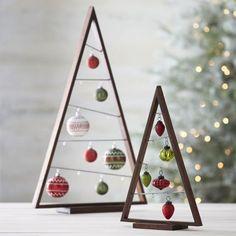 Fotogaléria - V obývačke som nemala veľa miesta na živý vianočný stromček, ale našla geniálne riešenie! 25 neobvyklých vianočných stromčekov, ktoré budú ozdobou každej domácnosti