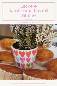 Karottenmuffins einmal anders. Ohne Nüsse, dafür mit Zitrone und einem herrlich erfrischenden Zitrusaroma. Das Beste für Kinder. Planter Pots, Carrot Muffins, Lemon, Happy Kids, Career, Simple, Essen, Recipies