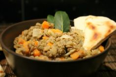 Ez a nagyszerű lencsesaláta egy teljesen új világot nyit meg számodra azt illetően, hogy mit lehet a lencséből, ebből a nagyszerű hüvelyesből kihozni! Vegan Vegetarian, Vegetarian Recipes, Salad Dressing, Wok, Vinaigrette, Lentils, Mashed Potatoes, Salads, Beans