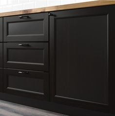 Matte Black Is Taking Over Kitchens Everywhere Black Kitchen Cabinets black kitchens Matte Black Appliances, Kitchen Remodel, Kitchen Design, Black Cabinets, New Kitchen Cabinets, Oak Kitchen Cabinets, Matte Black Kitchen, Oak Kitchen, Trendy Kitchen