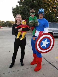 20 DIY Fun Family Costumes – The Cow Country Housewife 20 DIY Family Halloween Costumes that will save money, look amazing, and still let your family have a lot of fun! Costumes Avengers, Superhero Family Costumes, Marvel Halloween Costumes, Superhero Halloween Costumes, Halloween Bebes, Family Super Hero Costumes, Homemade Halloween, Zombie Costumes, Halloween Couples