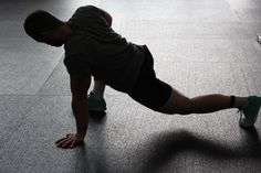 High Intensity Interval Training(HIIT) is becoming popular because it works! It is a result-oriented workout plan that millions of people are doing it these day Stretching Exercises For Flexibility, Dynamic Stretching, Golf Exercises, Body Stretches, Weight Exercises, Fitness Exercises, Joseph Pilates, You Fitness, Fitness Tips