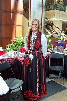 Beautiful Norwegian-American in traditional dress Born in Norway in Skien Mode Masculine, Wedding Dress, Bridal Dresses, Norwegian Style, Empire, Folk Costume, Traditional Dresses, American, Norway