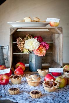 fall mini #wedding #pie