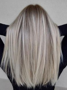 7 Hair Color Trends You Need to Know, From Balayage to B .- 7 Haarfärbetrends, die Sie kennen müssen, von Balayage bis Babylights 7 hair dye trends you need to know, from Balayage to Babylights- 7 Hair Color Trends You Need to Know – Eluxe Magazine - Babylights Hair, Balayage Hair, Balayage Color, Brown Balayage, Balayage Straight, Gorgeous Hair Color, Cool Hair Color, Ombre Hair Color, Blonde Color