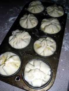 ##Chicken Pot Pie Biscuits/I used a rotisserie chicken (shredded it) & 1can cream of chicken soup,1can cream of celery & 1 can of chicken broth, handful of shredded carrots,warmed/mixed on stove top then followed rest of recipe for oven
