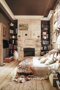 Bohemian Bedroom Decoration Ideas ★ See more: http://glaminati.com/bohemian-bedroom-decoration-ideas/