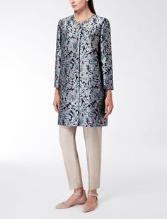 Max Mara OSAKA blue pink: Floral jacquard coat. Find your outfit on the Official Max Mara Website and discover all that is new in ready-to-wear.