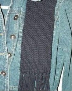 How to use the no-wrap stitch to loom knit a scarf.