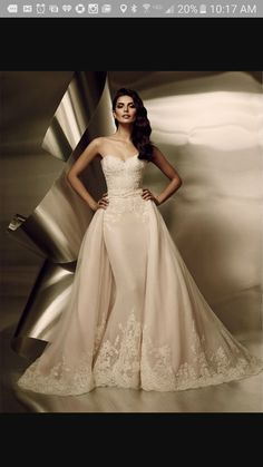 Wedding dress with detachable skirt More