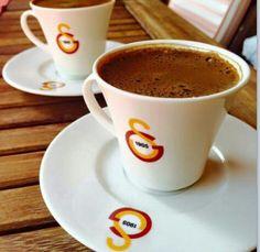 Gs keyfi ...... Coffee Latte, Animal Wallpaper, Coffee Break, Easy Meals, Turkey, Cooking, Tableware, Football, Resolutions