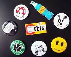 Resultado de imagem para bottons na mochila