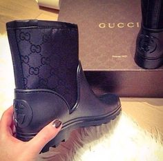 frenchinhalechanelxoxo: chαηεℓ - Gucci Boots - Ideas of Gucci Boots - frenchinhalechanelxoxo: chαηεℓ Hot Shoes, Shoes Sneakers, Shoes Heels, Heeled Boots, Bootie Boots, Shoe Boots, Gucci Boots, Looks Style, Shoe Collection