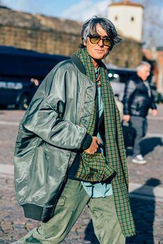 January 12, 2016 Tags Sunglasses, Green, Plaid, Ana Gimeno Brugada, Women, Monochromatic, Bomber Jackets, Oversized, Scarves, Cargo Pants, FW16 Men's