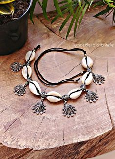 18 Tips for Choosing and Wearing Sterling Silver Anklets Diy Jewelry Necklace, Jewelry Crafts, Jewelry Art, Beaded Jewelry, Jewelery, Fashion Jewelry, Terracotta Jewellery Designs, Antique Jewellery Designs, Handmade Jewelry Designs