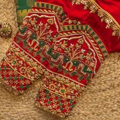 Saree Jacket Designs, Cutwork Blouse Designs, Best Blouse Designs, Wedding Saree Blouse Designs, Simple Blouse Designs, Embroidery Neck Designs, Stylish Blouse Design, Wedding Blouses, Hand Work Blouse Design