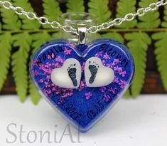 Muttermilch Herzen mit eingefügten Fußabdrücken Dog Tags, Dog Tag Necklace, Jewelry, Fashion, Resin Jewellery, Pendants, Milk, Ear Rings, Heart Necklaces