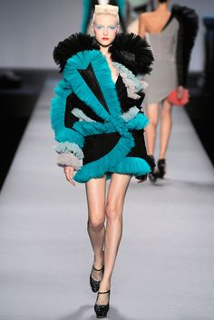 Viktor & Rolf | Spring 2010 Ready-to-Wear Collection | Style.com